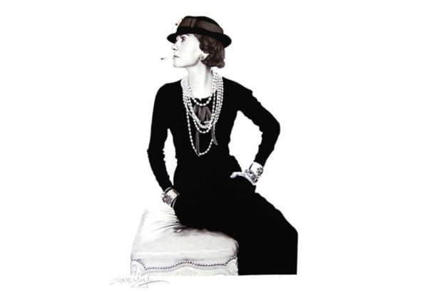 Коко Шанель в маленьком черном платье
