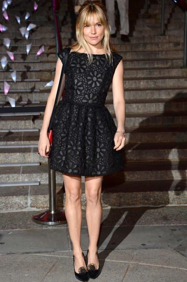 Маленькое черное платье бэби долл