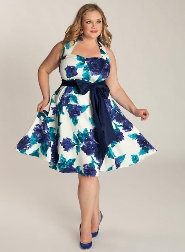 Платье для летних прогулок большого размера
