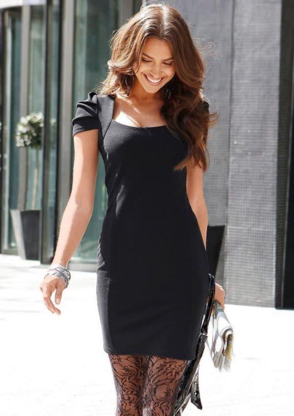 Маленькое черное платье футляр