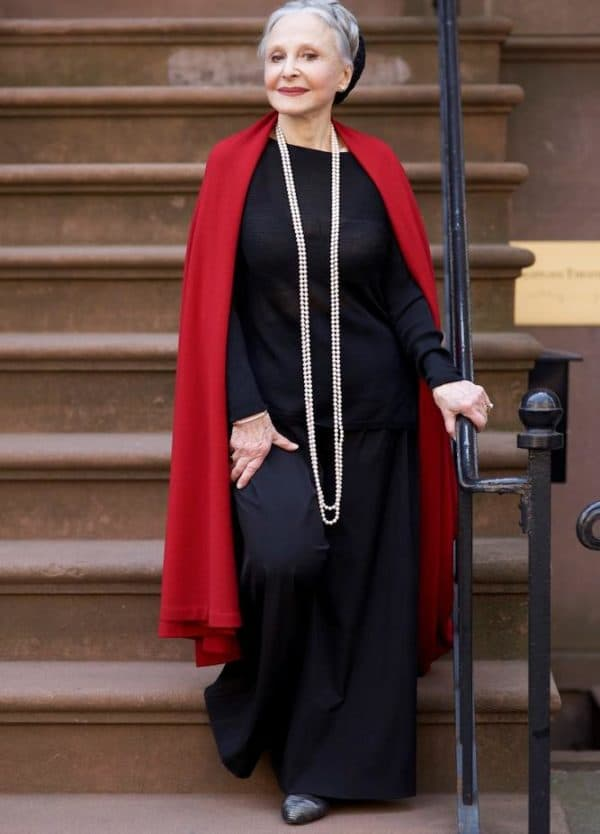 Элегантное платье для полной пожилой женщины