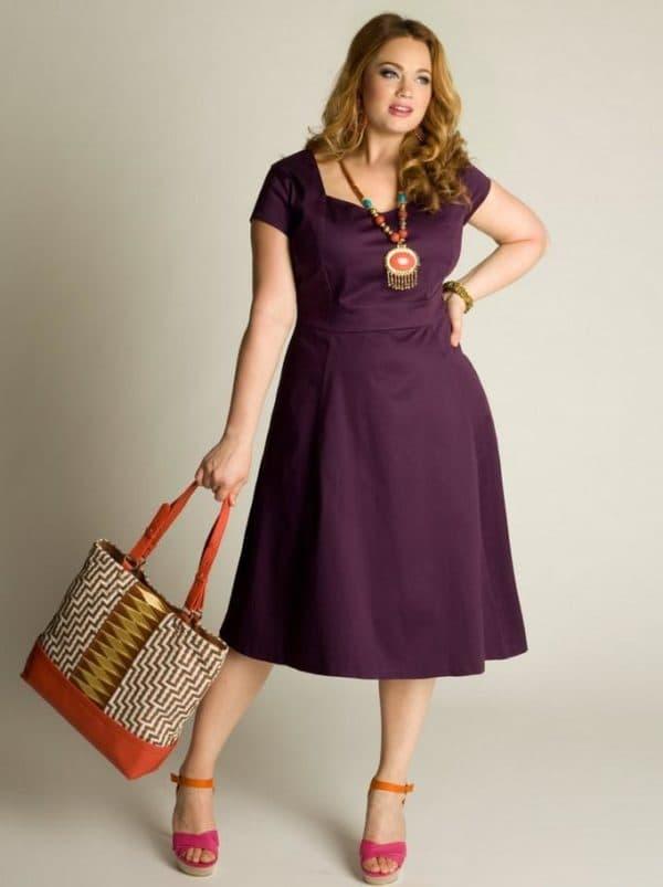 Повседневное летнее платье большого размера