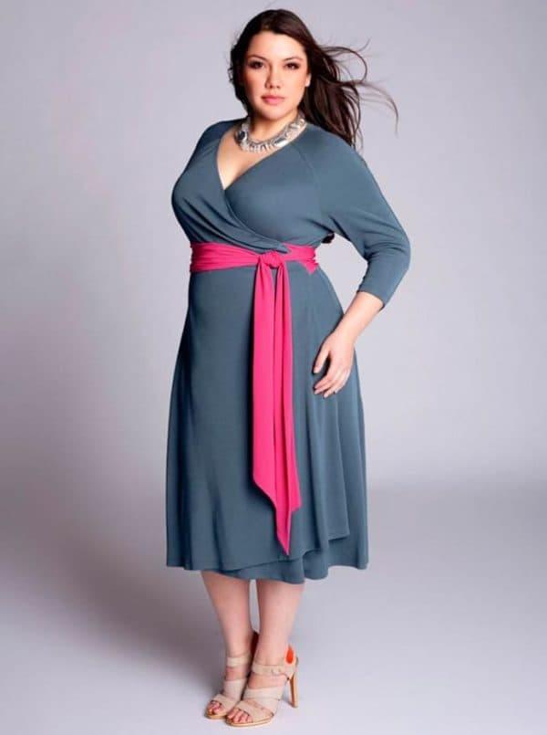 Повседневное платье большого размера