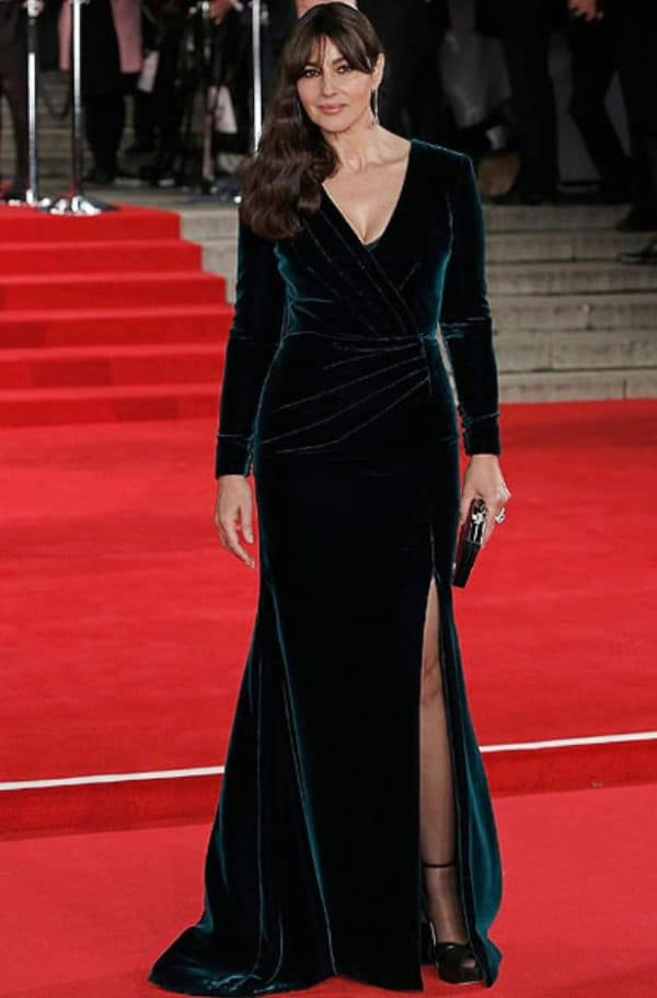 Моника Белуччи в платье изумрудного цвета