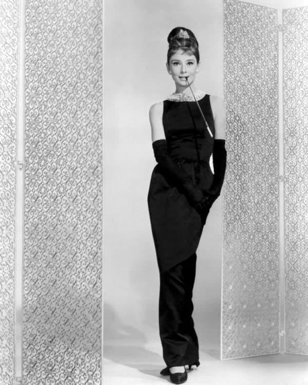 Платье Одри Хепберн с открытой спиной