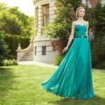 Платья изумрудного цвета – как создать соблазнительный и эффектный образ