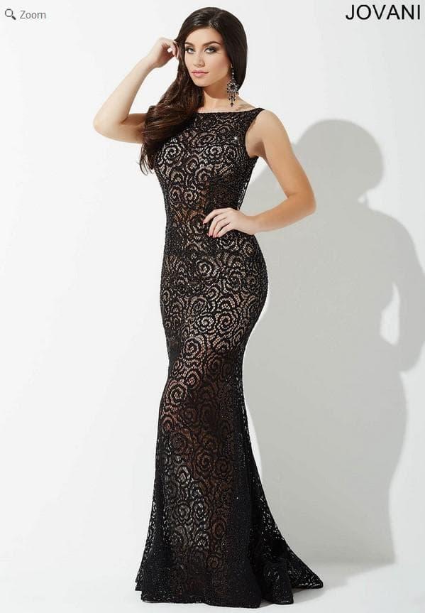 Кружевное вечернее платье в пол