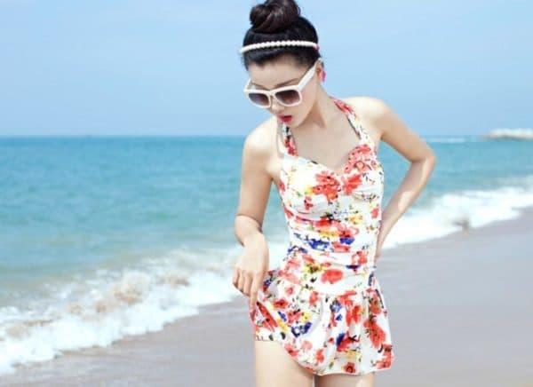 Яркое платье купальник