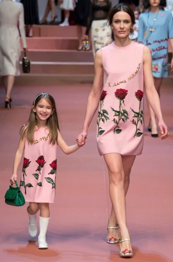 Одинаковые платья для мам и детей