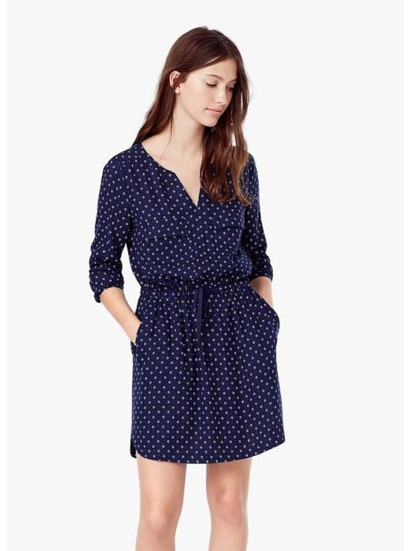 Синее короткое платье от Манго