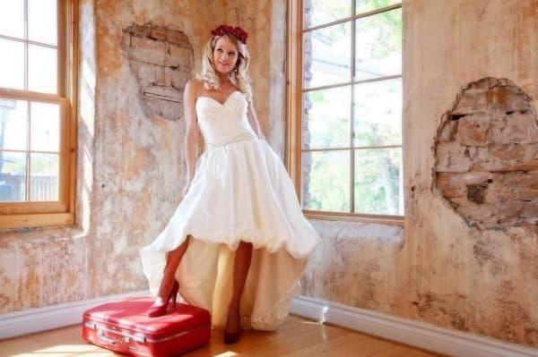 Аксессуары для платья короткого спереди и длинного сзади