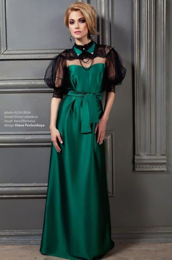 Вечернее платье темно-зеленого цвета