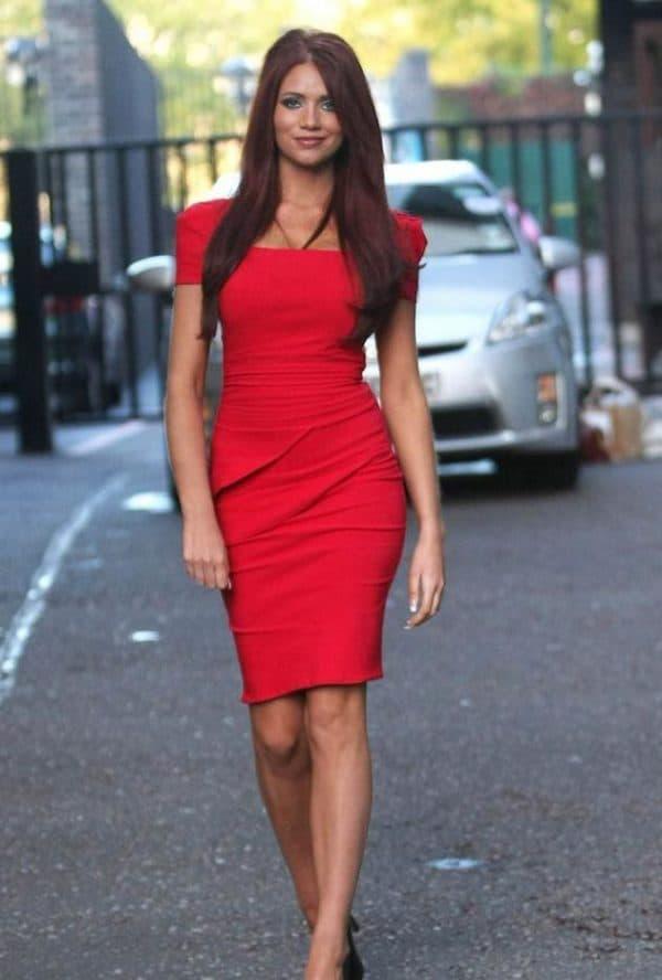 Красное вечернее платье до колен