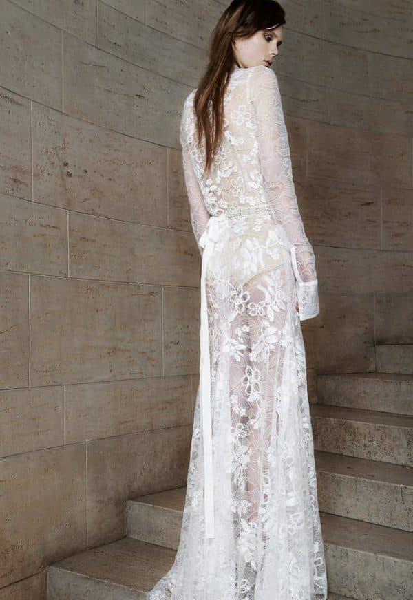 Откровенное вадебное платье от Веры Вонг