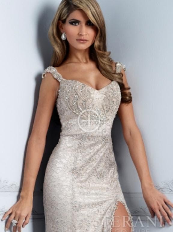 Стильное кружевное платье в пол