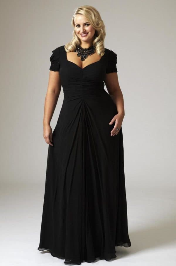 Вечернее длинное платье для полной женщины