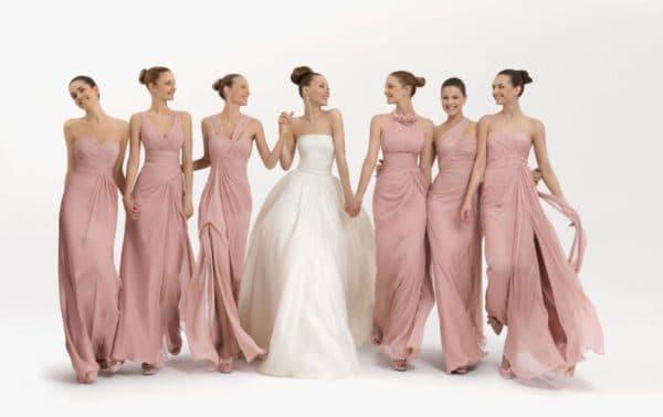 Вечерние платья на свадьбу в едином стиле
