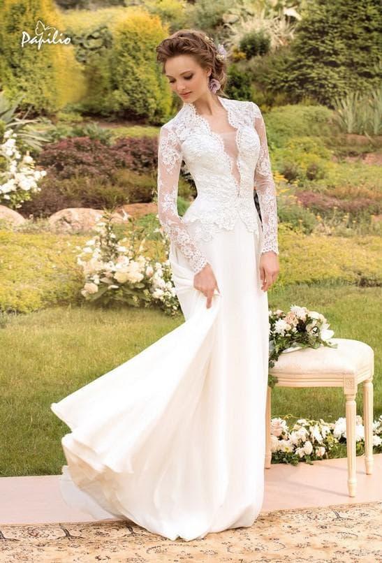 Длинное свадебное платье с кружевным лифом