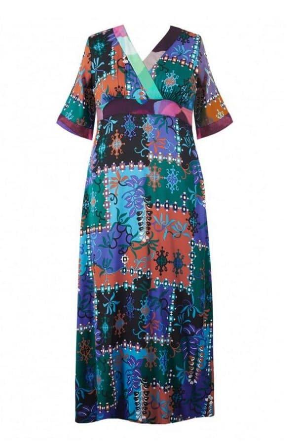 Дорогое платье большого размера в стиле кимоно