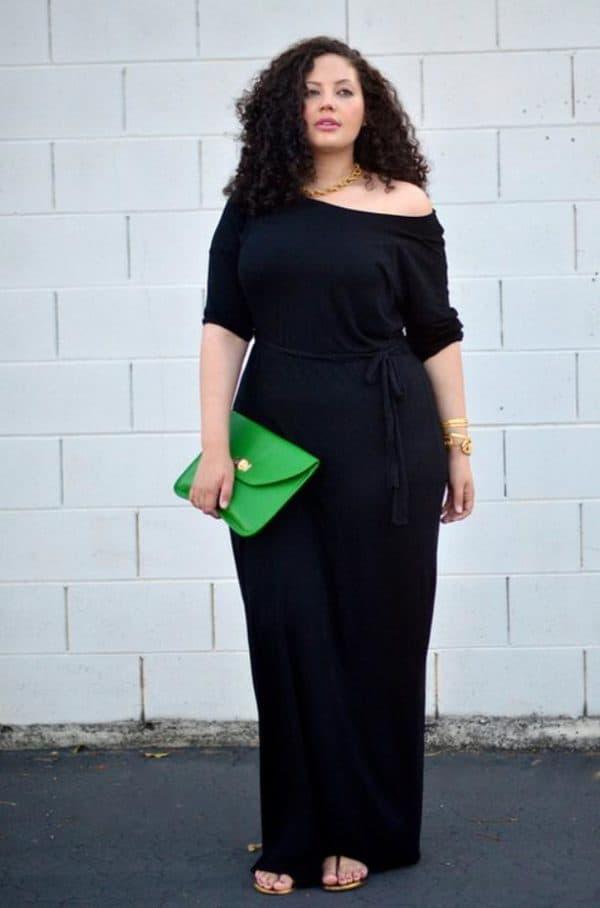 Красивое трикотажное платье большого размера