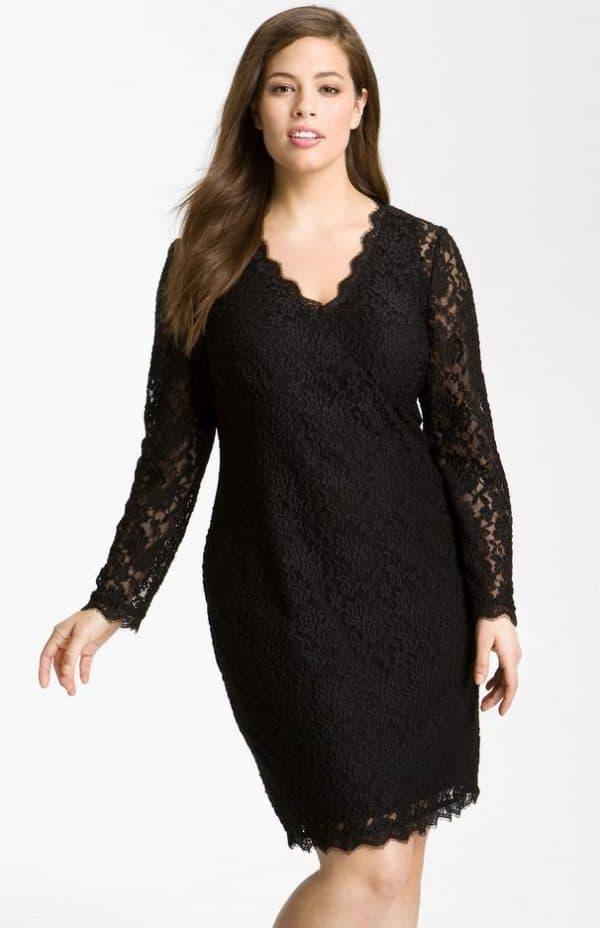 Черное гипюровое платье футляр для полных
