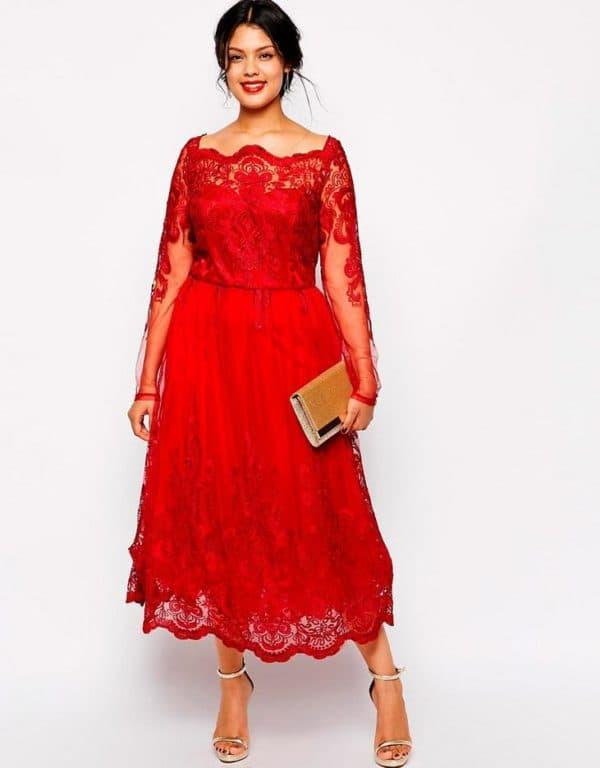 Красное кружевное платье большого размера
