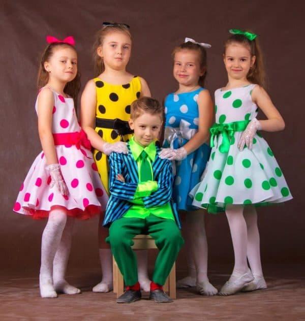 Платья в стиле стиляг в горошек для девочек