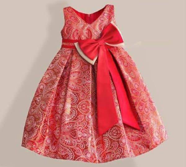 Красное праздничное платье для девочки