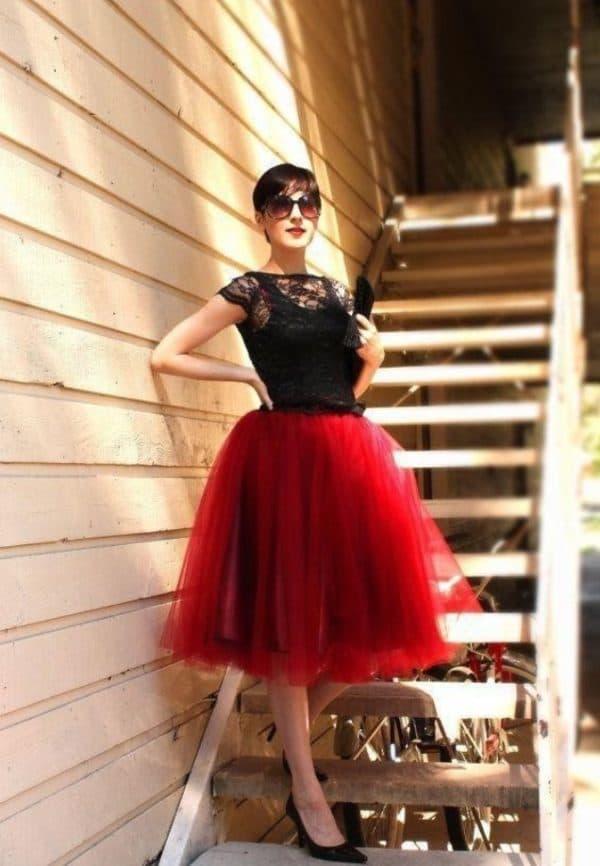 Образ с красной юбкой пачкой