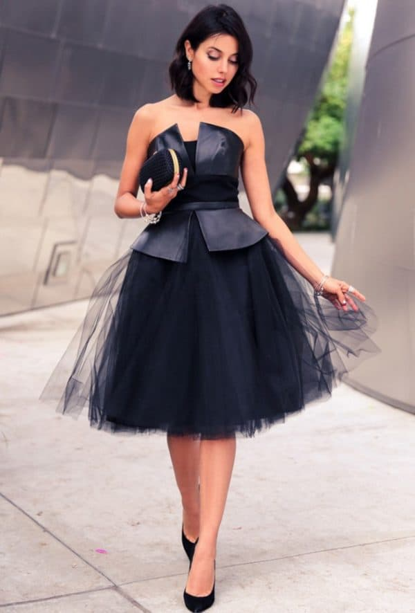 Платье с чёрной юбкой пачкой и корсетом