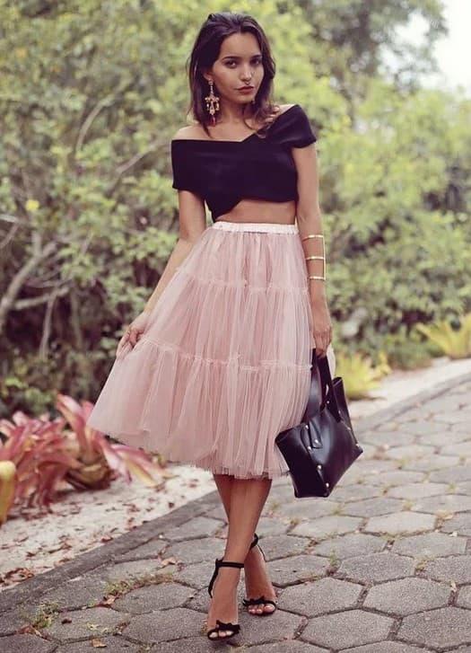 Коктейльный образ с розовой юбкой пачкой