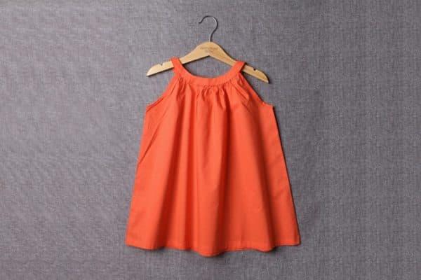 Оранжевый летний сарафан для девочки